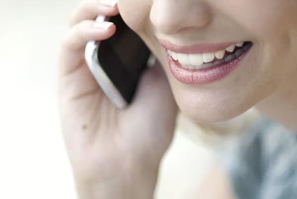 電話で話す